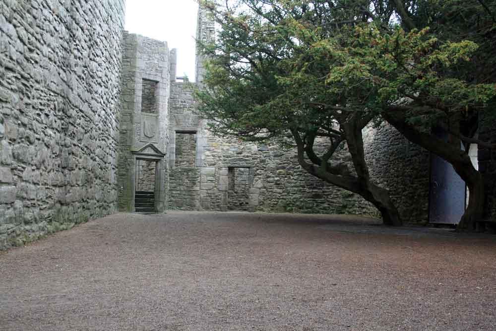 Craigmillar Castle, courtyard